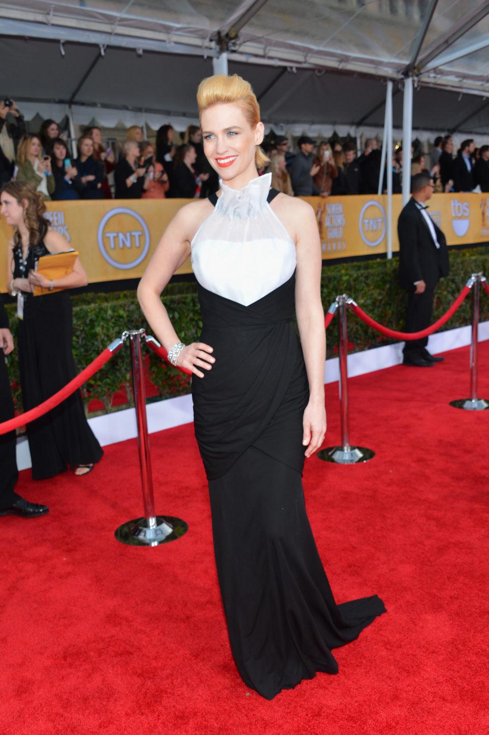 January Jones en la alfombra roja de los Screen Actors Guild Awards 2013