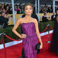 Sarah Hyland en la alfombra roja de los Screen Actors Guild Awards 2013
