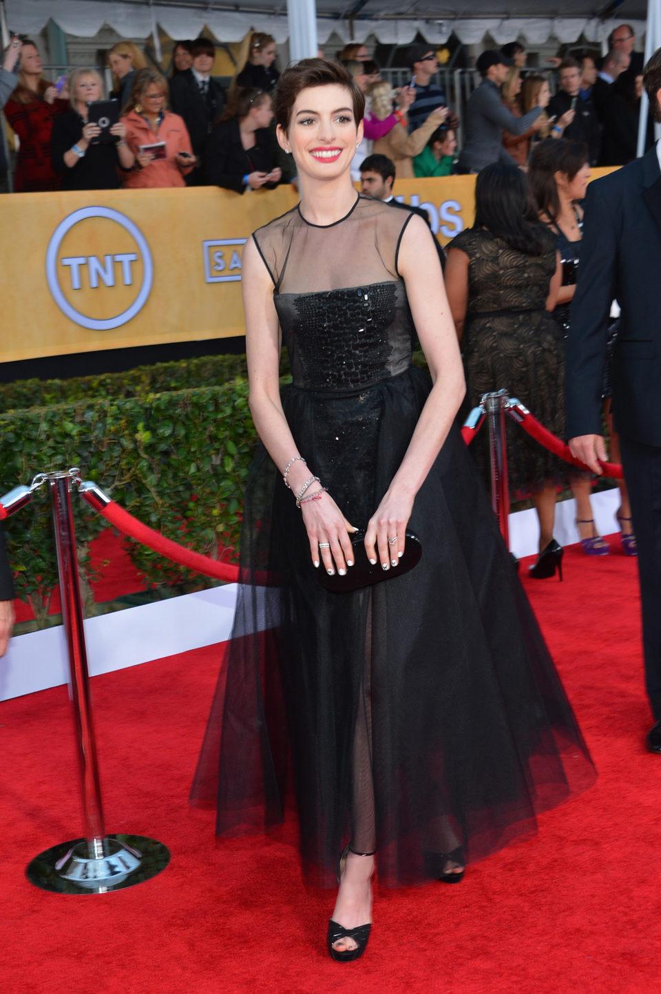 Anne Hathaway en la alfombra roja de los Screen Actors Guild Awards 2013