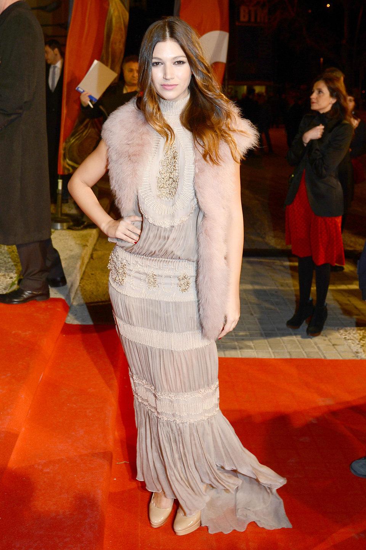 Úrsula Corberó en la alfombra roja de los Premios Gaudí 2013