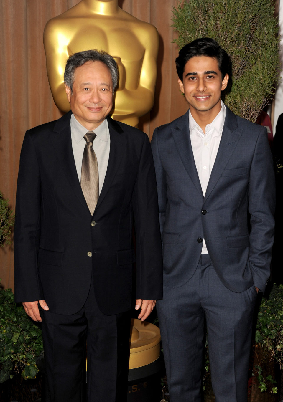 Ang Lee y Shuraj Sharma en el almuerzo de los nominados a los Oscar 2013