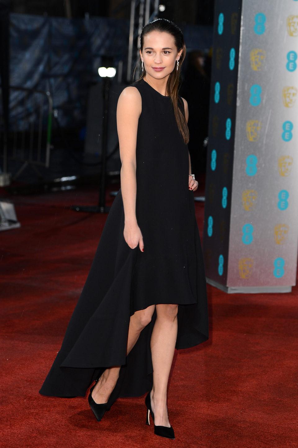 Alicia Vikander en los BAFTA 2013
