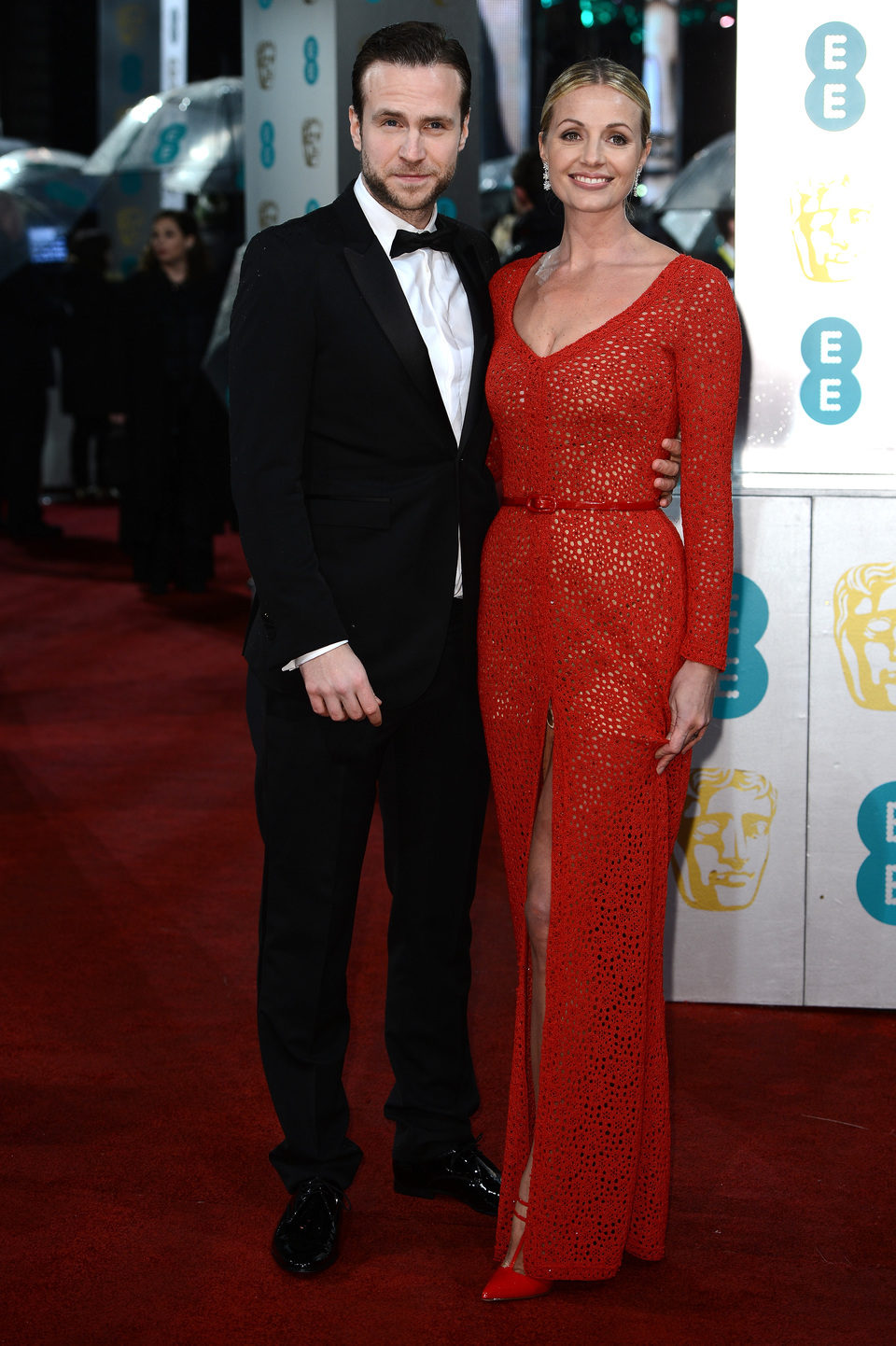 Rafe Spall en los BAFTA 2013