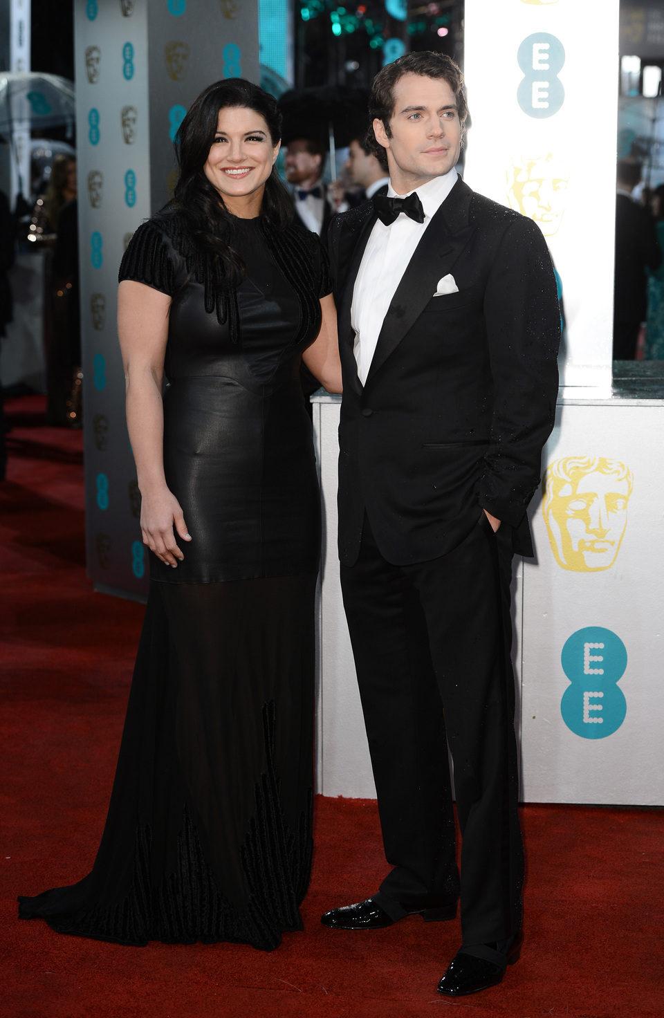 Gina Carano y Henry Cavill en los BAFTA 2013