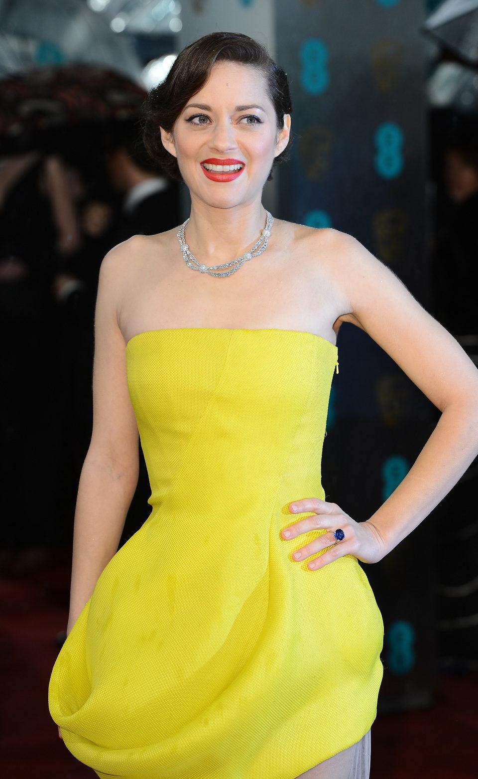 Marion Cotillard a su llegada a los BAFTA 2013