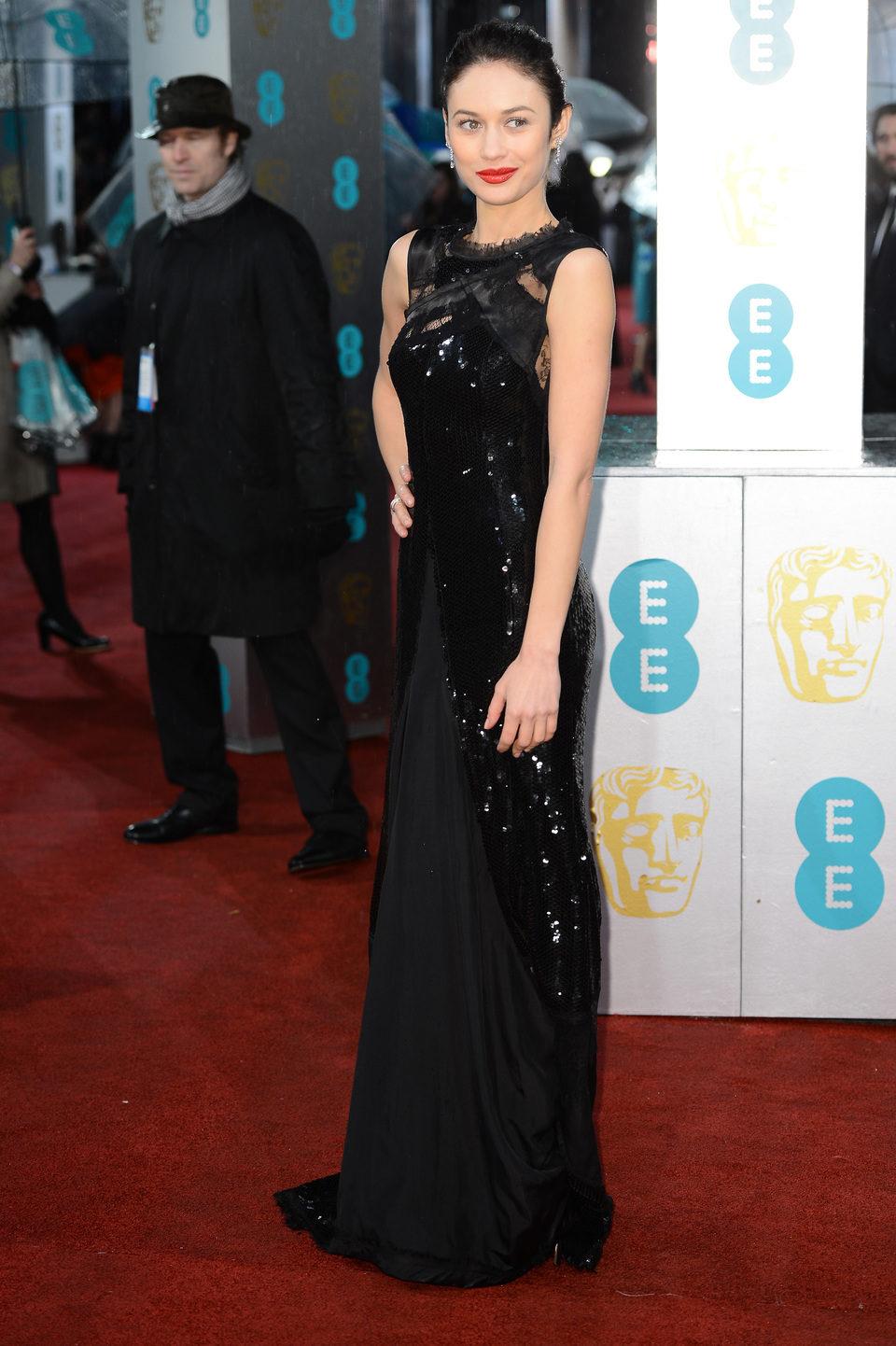 Olga Kurylenko en los BAFTA 2013