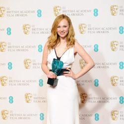 Juno Temple con el premio a artista emergente de los BAFTA 2013