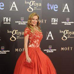 Ana Obregón en la alfombra roja de los Goya 2013