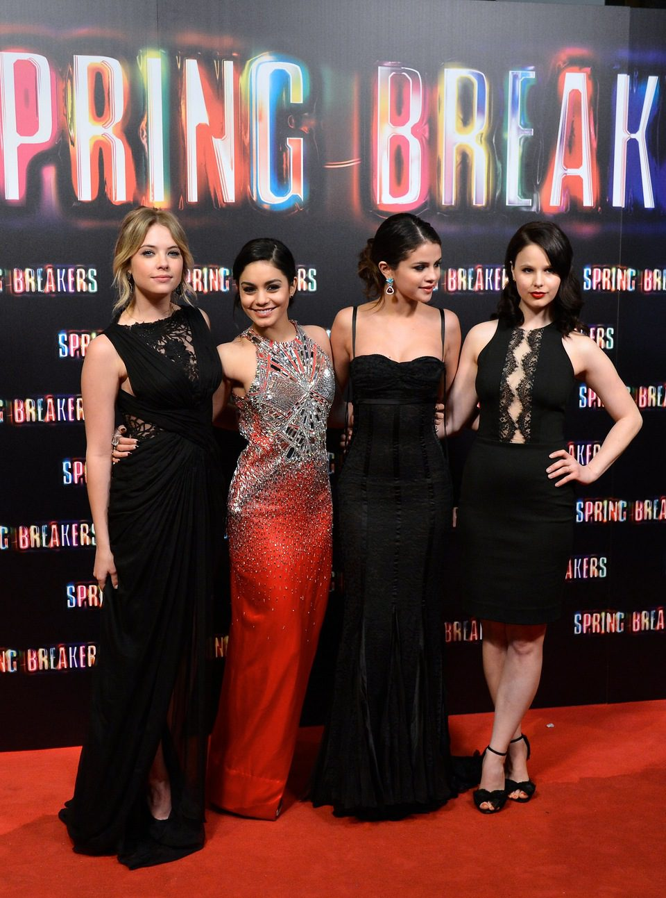 Ashley Benson, Vanessa Hudgens, Selena Gomez y Rachel Korine en la premiere de 'Spring Breakers' en Madrid