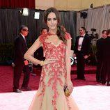 Louise Roe en la alfombra roja de los Oscar 2013