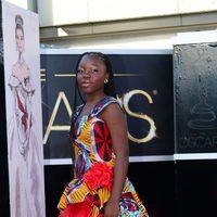 Rachel Mwanza en la alfombra roja de los Oscar 2013