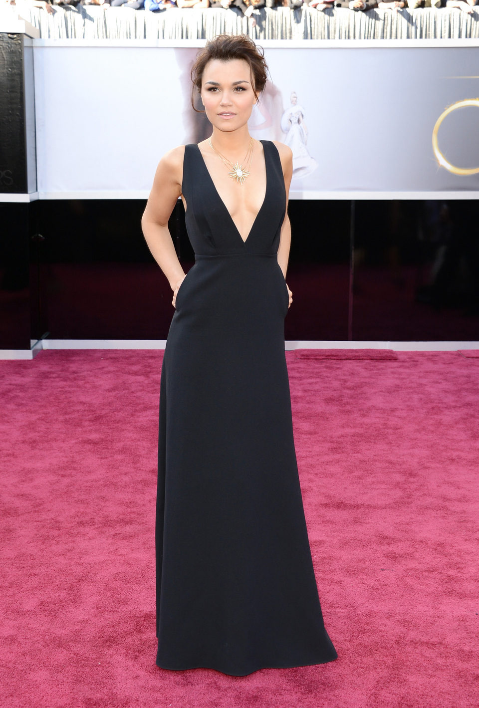 Samantha Barks en la alfombra roja de los Oscar 2013