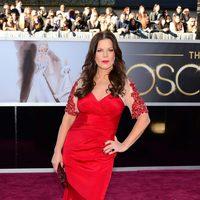 Marcia Gay Harden en la alfombra roja de los Oscar 2013
