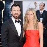 Justin Theroux y Jennifer Aniston en los Oscar 2013