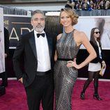 George Clooney y Stacy Keibler en los Oscar 2013