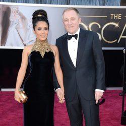 Salma Hayek y François-Henri Pinault en los Oscar 2013