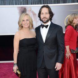 Paul Rudd y Julie Yaeger en los Oscar 2013