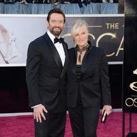 Hugh Jackman y Deborra-Lee Furness en la alfombra roja de los Oscar 2013