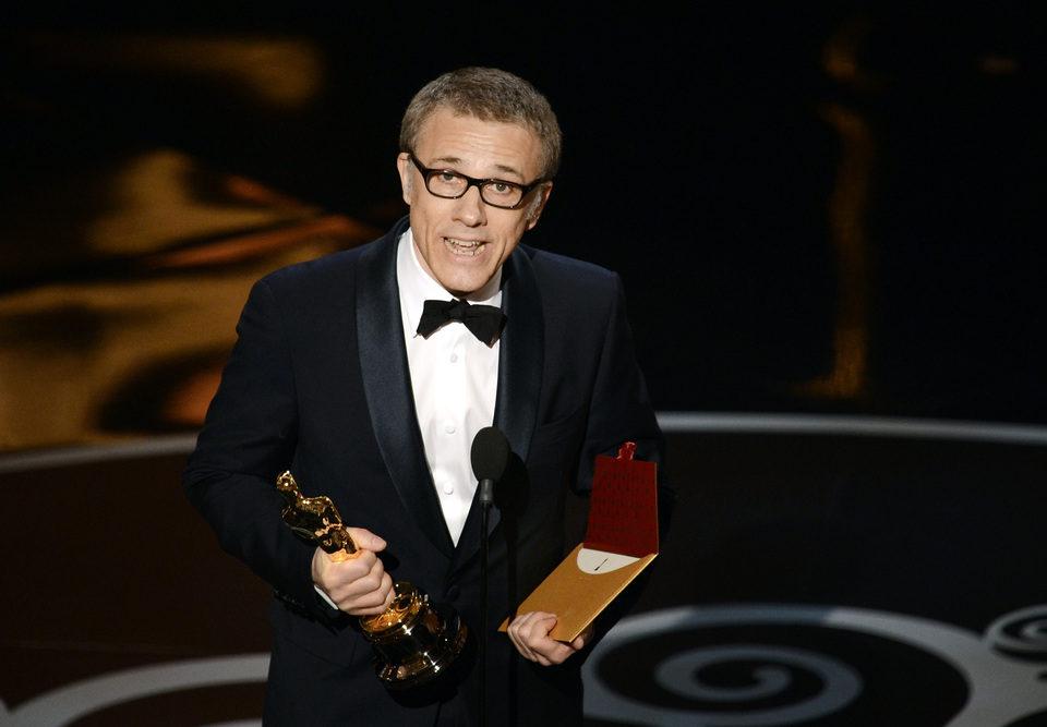 Christoph Waltz recogiendo el Oscar 2013 a Mejor actor de reparto por 'Django desencadenado'