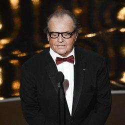 Jack Nicholson presenta en los Oscar 2013