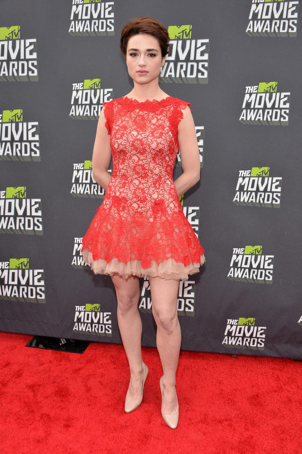 Crystal Reed en la alfombra roja de la entrega de los MTV Movie Awards 2013