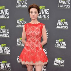 Crystal Reed en la alfombra roja de la entrega de los MTV Movie Awards 2013