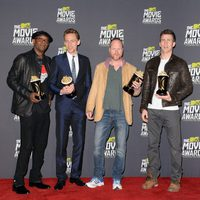 Samuel L. Jackson, Tom Hiddleston, Joss Whedon y Chris Evans con sus premios en los MTV Movie Awards 2013