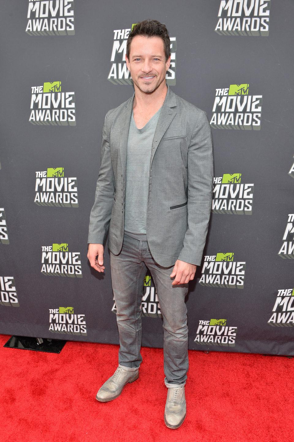 Ian Bohen en la alfombra roja de la entrega de los MTV Movie Awards 2013