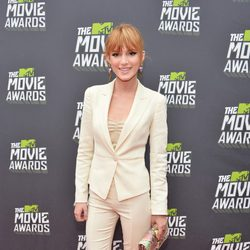 Bella Thorne en la alfombra roja de la entrega de los MTV Movie Awards 2013