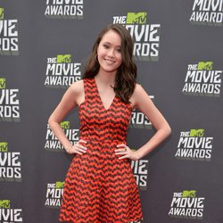 Katie Chang en la alfombra roja de la entrega de los MTV Movie Awards 2013