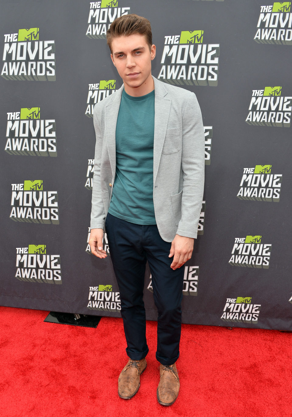 Nolan Funk en la alfombra roja de la entrega de los MTV Movie Awards 2013