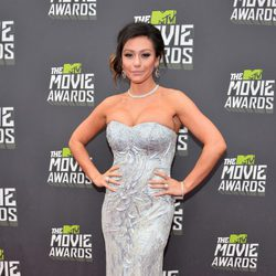Jenni Farley en la alfombra roja de la entrega de los MTV Movie Awards 2013