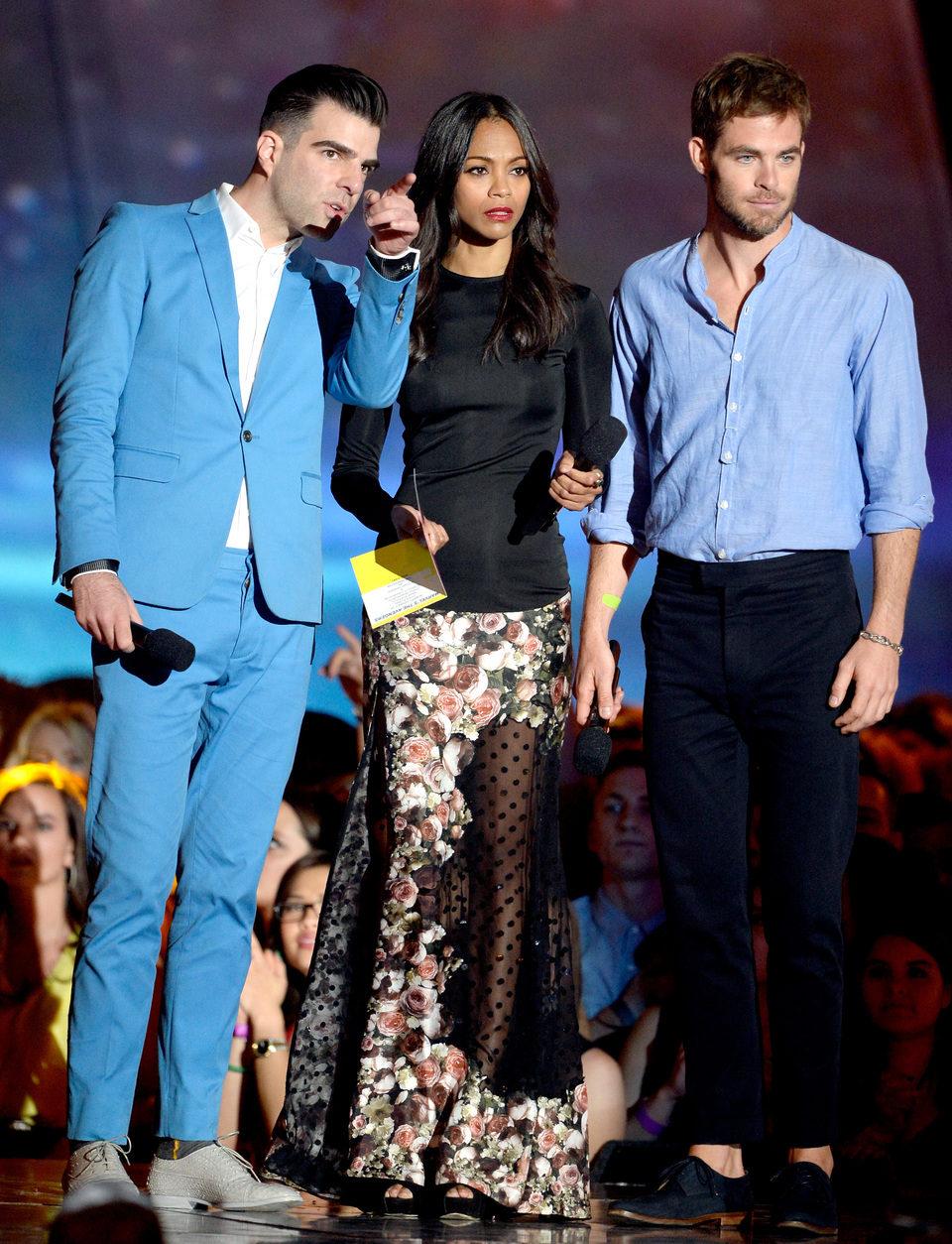 Zachary Quinto, Zoe Saldana y Chris Pine en los MTV Movie Awards 2013