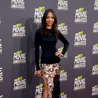 Zoe Saldana en la alfombra roja de la entrega de los MTV Movie Awards 2013