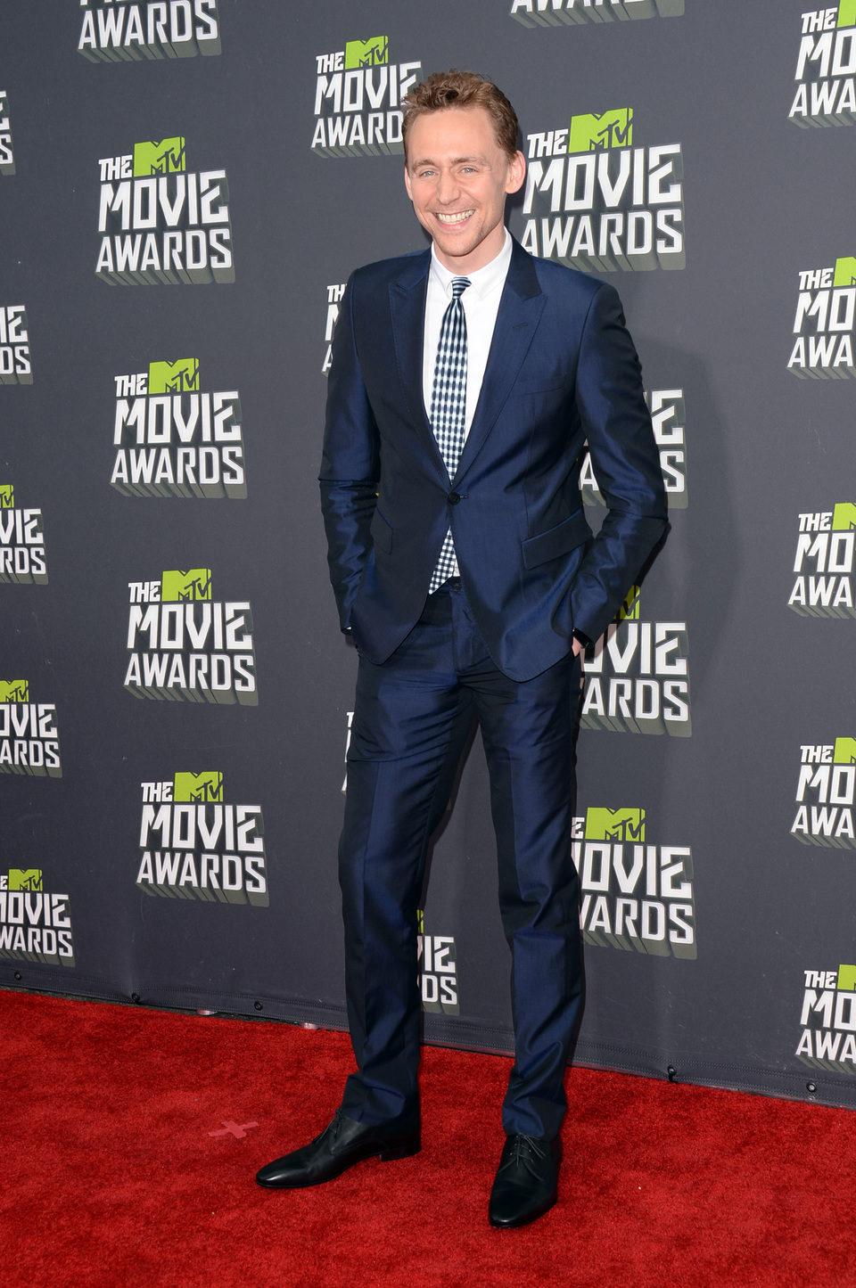 Tom Hiddleston en la alfombra roja de los MTV Movie Awards 2013