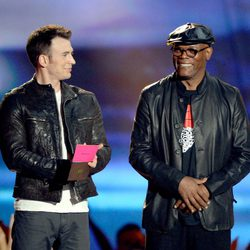 Chris Evans y Samuel L. Jackson en los MTV Movie Awards 2013