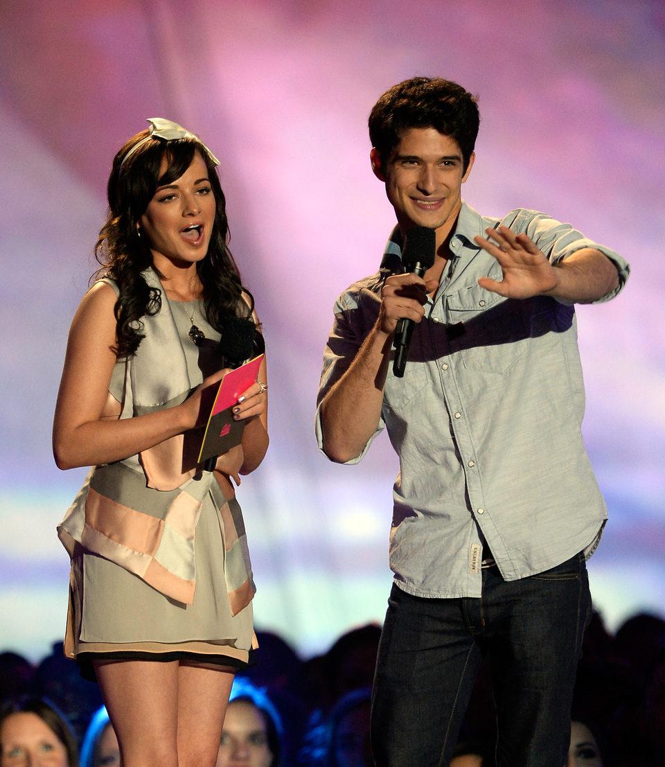 Ashley Rickards y Tyler Posey en los MTV Movie Awards 2013