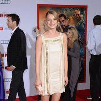 Emily VanCamp en el estreno mundial de 'Iron Man 3' en Los Ángeles