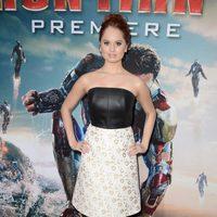 Debby Ryan en el estreno mundial 'Iron Man 3' en Los Ángeles