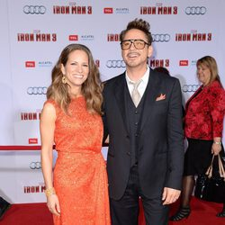 Robert Downey Jr. y su mujer Susan en el estreno mundial de 'Iron Man 3' en Los Ángeles