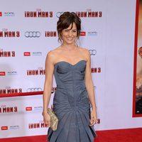Stephanie Szostak en el estreno mundial de 'Iron Man 3' en Los Ángeles