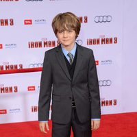 Ty Simpkins en el estreno mundial de 'Iron Man 3' en Los Ángeles