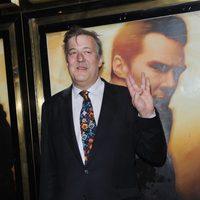 Stephen Fry en el estreno en Londres de 'Star Trek: En la oscuridad'