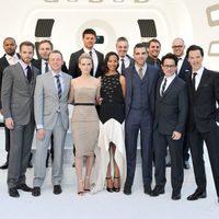 Equipo al completo de 'Star Trek: En la oscuridad' en el estreno en Londres
