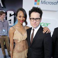 Zoe Saldana y J.J. Abrams en el estreno en Los Angeles de 'Star Trek: En la oscuridad'