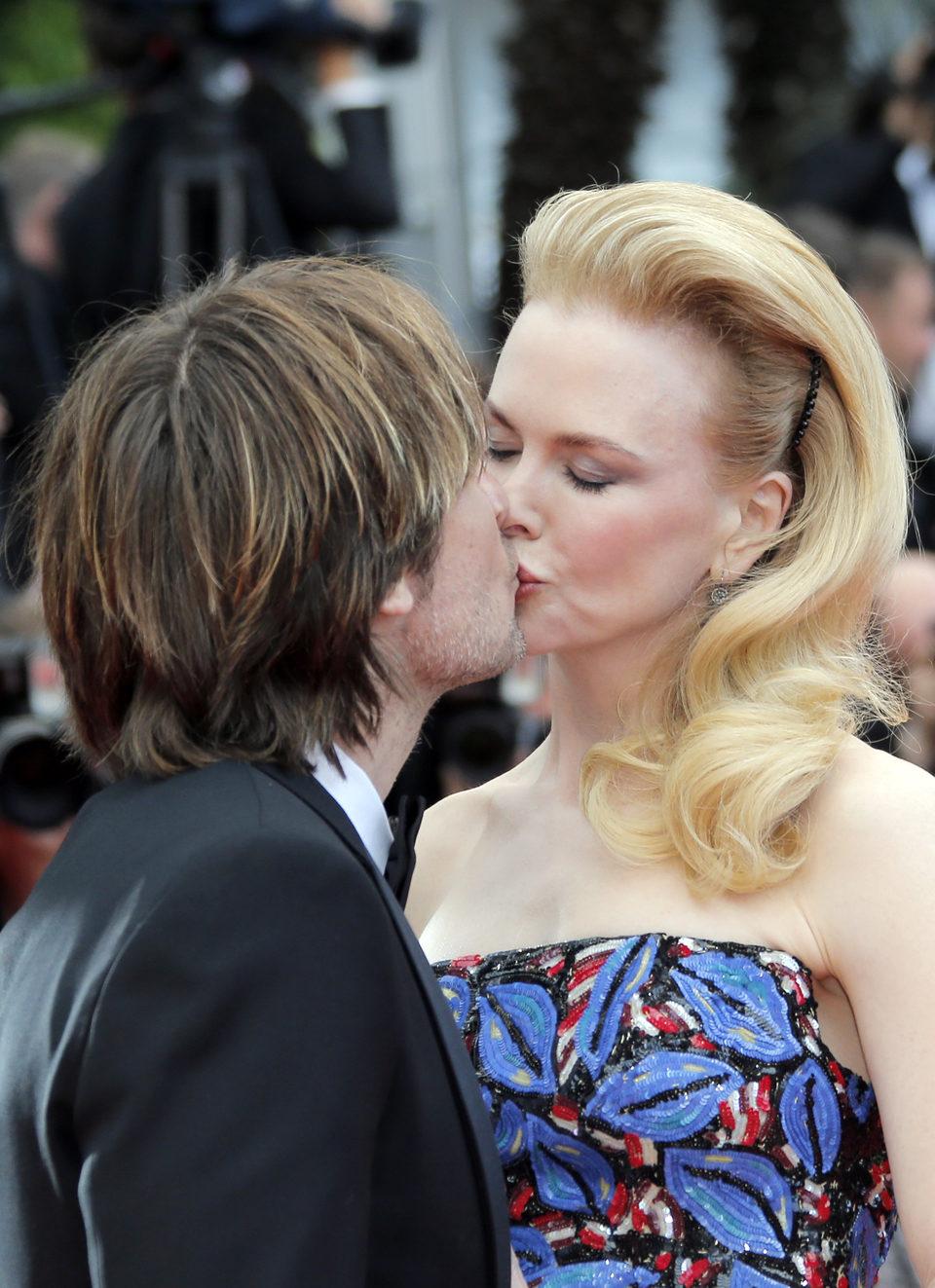 Nicole Kidman besa a Keith Urban en la premiere de 'Inside Llewyn Davis' en el Festival de Cannes 2013