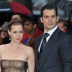 Amy Adams y Henry Cavill en la premiere europea de 'El Hombre de Acero' en Londres