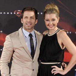 Zack Snyder y su mujer Deborah en la premiere de 'El hombre de acero' en Madrid