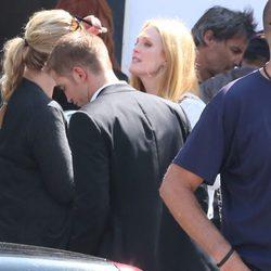 Robert Pattinson y Julianne Moore se preparan para rodar una escena de 'Maps to the Stars'