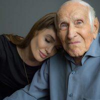 Angelina Jolie con Louis Zamperini, inspiración de 'Unbroken'